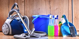 personal de limpieza femenino y masculino limpieza de casas y oficinas Female and male cleaners cleaning houses and offices part time