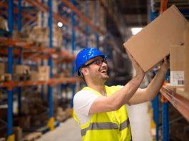 mozos de almacen personal para deposito carga y descarga en almacen waiters of personal warehouse for deposit loading and unloading in warehouse