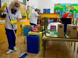limpiadoras auxiliar de limpieza y cocina para escuelas y jardines cleaning assistant in school