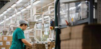 operarios y operarias de etiquetado envasado y produccion operators of labeling, packaging and production