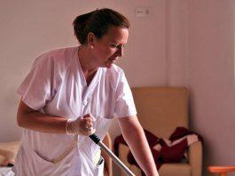 personal de limpieza para residencia de mayores cleaning staff for nursing home