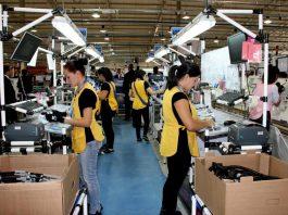 Operarias Para Línea de Producción, Empaque y Control de Calidad Operators For Production, Packaging and Quality Control Line