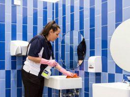 conserje y personal de limpieza femenino para hotel concierge femminile e personale delle pulizie per hotel female concierge and cleaning staff for hotel