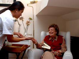 cuidadora domiciliaria cuidadora de adulto mayor cuidadora externa home caregiver elderly caregiver external caregiver