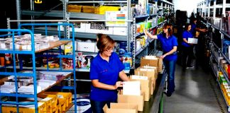 empacadoras operarias de almacen moza de almacen balers warehouse workers warehouse wench