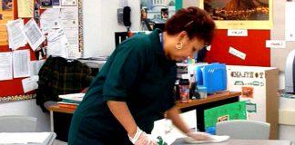 empleada de limpieza miscelanea cleaning lady cleaning staff limpiadoras Personal de limpieza de escuela school cleaning staff