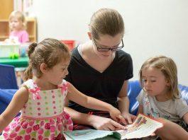 empleada del hogar empleada para cuidado de niños cuidadora de niños y apoyo en labores domesticas governante e baby sitter housekeeper and babysitter