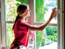 empleada del hogar limpieza en casa de familia empleada domestica domestic maid cleaning at family home domestic maid housekeeper