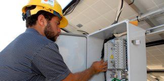 personal de mantenimiento para edificio building maintenance staff male staff