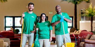 personal para limpieza de hotel personale addetto alle pulizie dell'hotel hotel cleaning staff