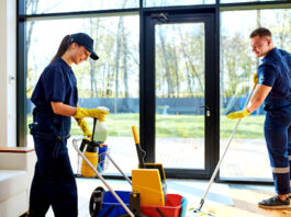 Personal de limpieza y maestranza cleaning employees female and male cleaning staff limpiadoras limpiadores