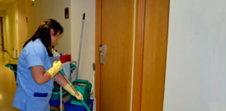 empleada de limpieza personal de limpieza femenino cleaning lady female cleaning staff part time cleaning job limpiadoras