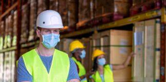 operarios de almacen empaque carga y descarga tareas generales de deposito warehouse workers packing loading and unloading general warehouse tasks