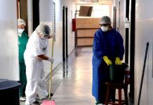 operarios de limpieza cleaning staff limpiadoras limpiadores personal de limpieza female and male cleaning