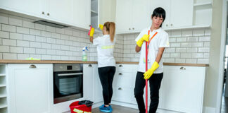 personal de limpieza de casas vacias cleaning staff female and male cleaning staff janitors cleaning lady house cleaning