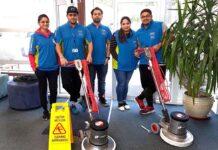 personal de limpieza limpiadoras limpiadores equipo de limpieza cleaning operators female and male cleaning staff operarios de limpieza