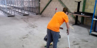 personal para limpieza personal para almacen warehouse cleaning staff warehouse operator female and male cleaning staff