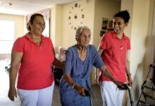 Gerocultora personal para residencia de mayores cuidadora personal de atencion a la dependencia Personal Geroculttora for the nursing home personal caregiver for dependency care