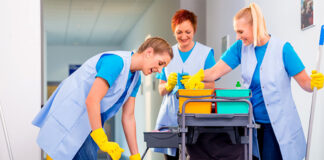 Operarias de limpieza cleaning staff