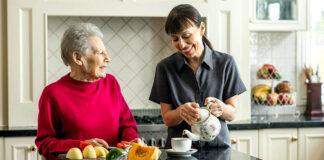 empleada del hogar Cuidadora de anciana home care domestic maid cuidadora domiciliaria home caregiver cuidadora externa