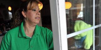 empleada del hogar por horas empleada domestica empleada para limpieza y cocina en casa de familia domestic employee employed for cleaning and cooking in family home