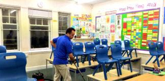 empleados de limpieza de escuela school cleaning employees janitors limpiadores empleado de limpieza male cleaning staff
