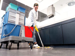 personal de limpieza y desinfeccion For Cleaning and Disinfection Work cleaning staff