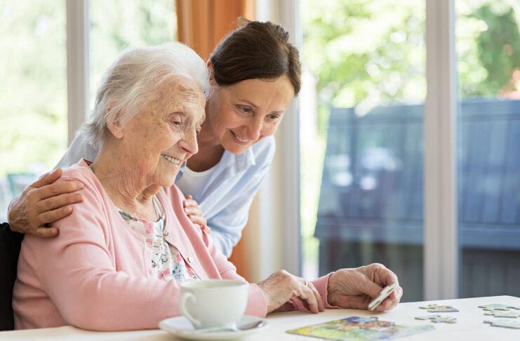 Gerocultora o Auxiliar de Geriatría cuidadora para geriatrico caregiver for geriatric cuidadora domiciliaria home care