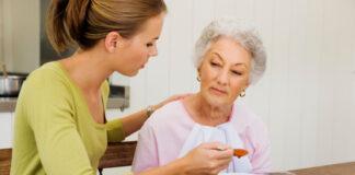anziana badante cuidadora de adultos mayores elderly caregiver gerocultora auxiliar geriatrico cuidadora domiciliaria