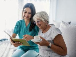 cuidadora de adultos mayores caregiver