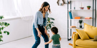niñera externa niñera con retiro babysitter nanny canguro empleada para cuidado de niño en casa de familia