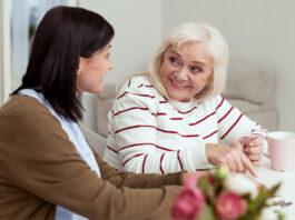 cuidadora de adulta caregiver
