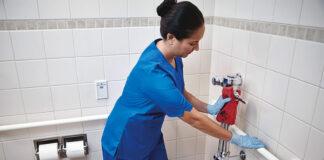 auxiliar de limpieza cleaning ladyyy