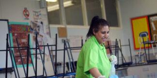 empleada para limpieza de colegio privado employed to clean a private school