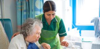 gerocultor gerocultoracuidadora domiciliaria home caregiver cuidadora de adultos mayores
