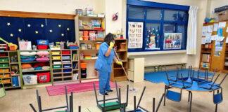 limpieza en colegioss cleaning in school