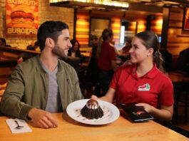 saloneros y pileros chilis cartago restaurant staff