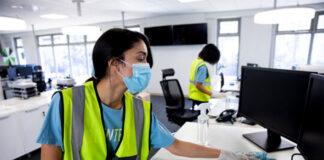 Personal De Limpieza female and male cleaning staff limpieza de oficinas y equipamiento