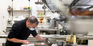 cocinero para casa de comidas kitchener for catering