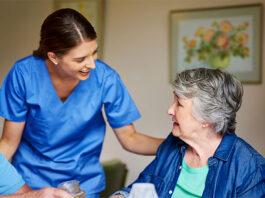 cuidadora de adultos mayores elderly caregive