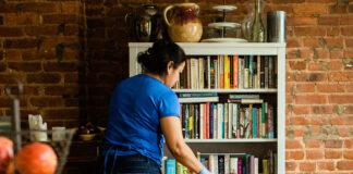 empleada del hogar housekeeper empleada domestica para limpieza en casa de familia domestic maid