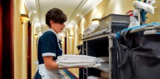 housekeeper mucama ama de llaves personal para hotel