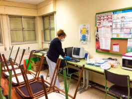 limpieza en colegioss cleaning in school limpiador de escuela infantil nursery school cleaner