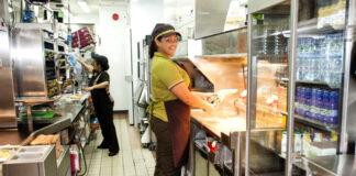 personal para restaurante de comida rapida restaurant staff female and male staff
